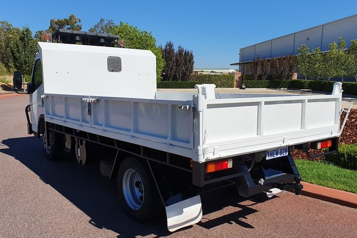 2015 FUSO 815 CANTER WHITE