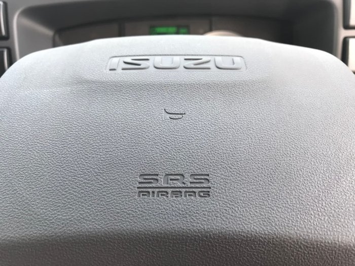 2021 Isuzu F SERIES white