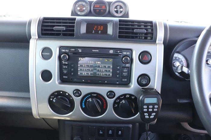 2011 Toyota FJ Cruiser GSJ15R 4X4 Dual Range Silver
