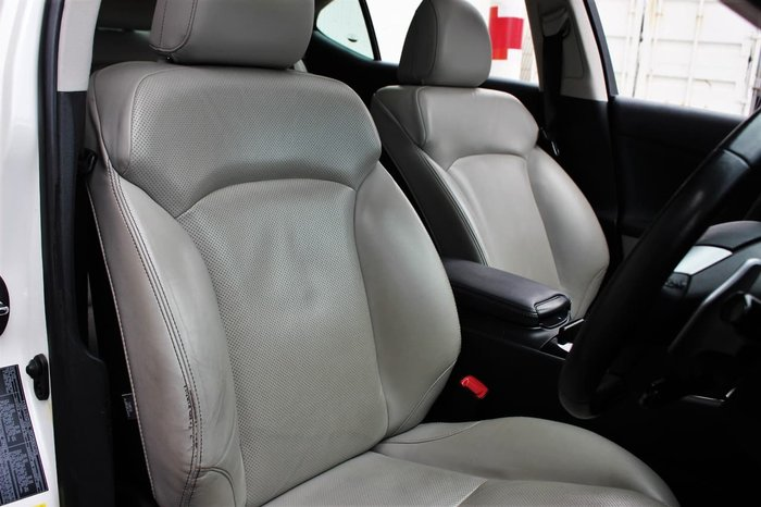 2011 Lexus IS IS350 Prestige GSE21R White