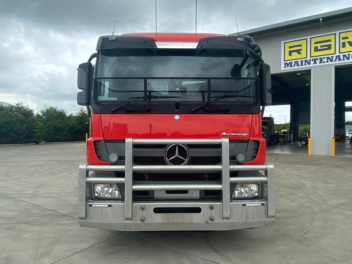 2017 Mercedes-Benz 2644 Actros Red