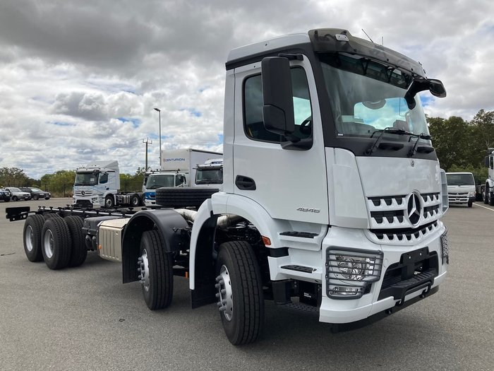 2021 MERCEDES-BENZ 4846 White