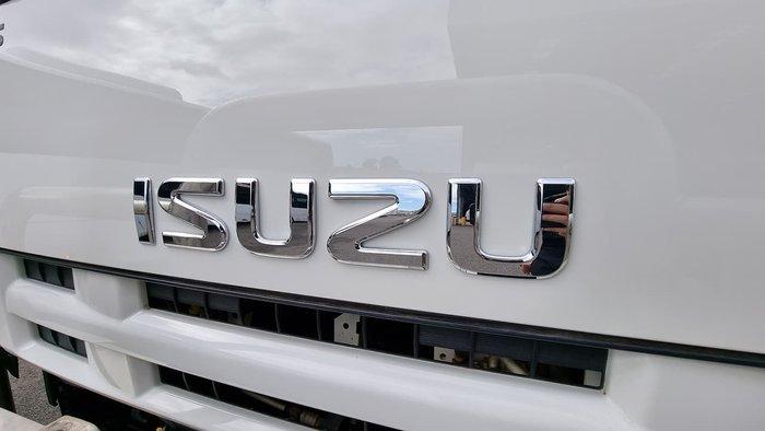 2014 ISUZU F SERIES WHITE