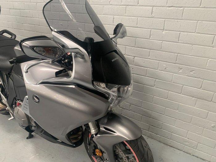 2010 Honda VFR1200F Silver