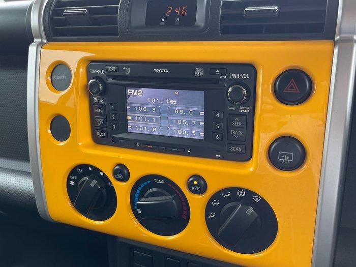 2011 Toyota FJ Cruiser GSJ15R 4X4 Dual Range Yellow