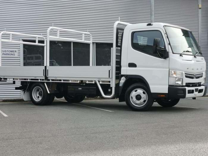 2021 FUSO CANTER 515 MANUAL - TRAY White