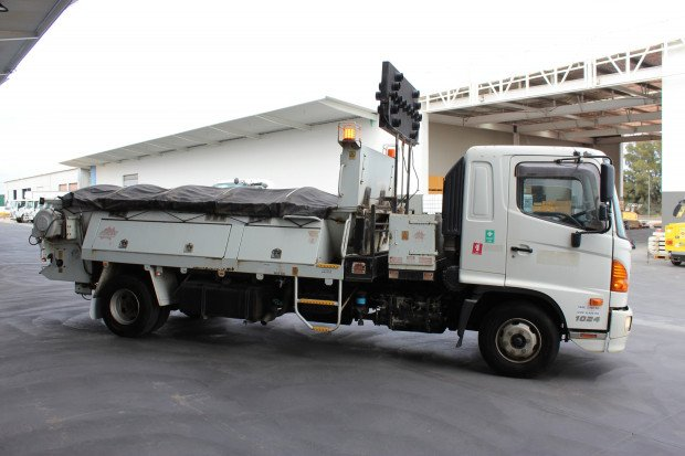 2009 Hino FD 1024-500 Series Ex-Council White
