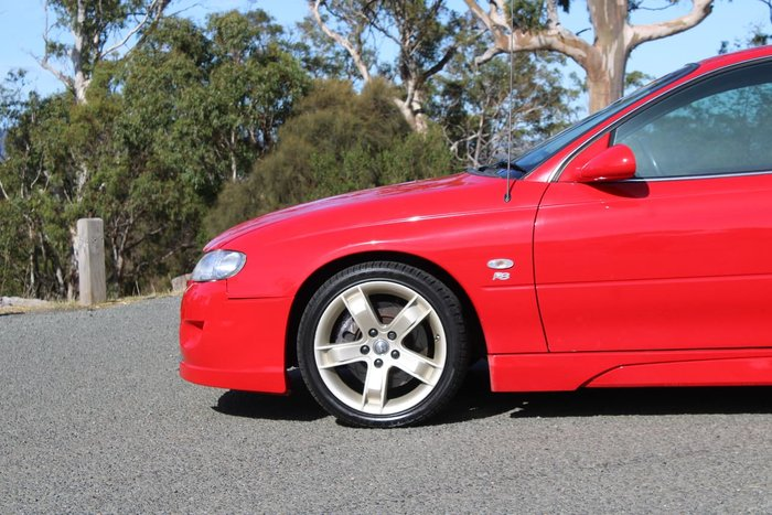 2000 Holden Special Vehicles Clubsport R8 VX Red