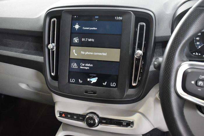2018 Volvo XC40 T4 Momentum MY19 Black Stone