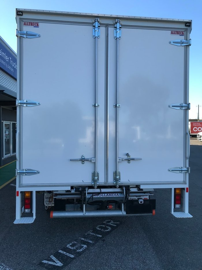 2020 FUSO CANTER 918 8 PALLET CURTAINSIDER White