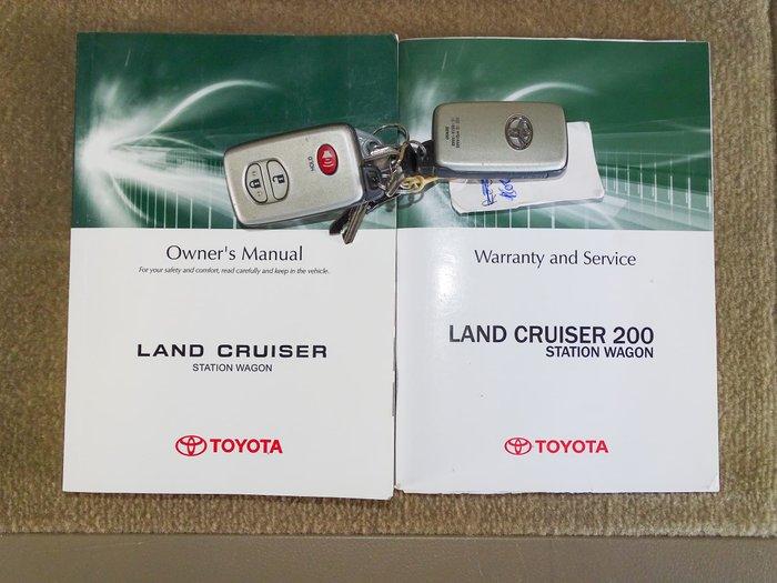 2011 Toyota Landcruiser Sahara UZJ200R MY10 4X4 Constant Crystal Pearl