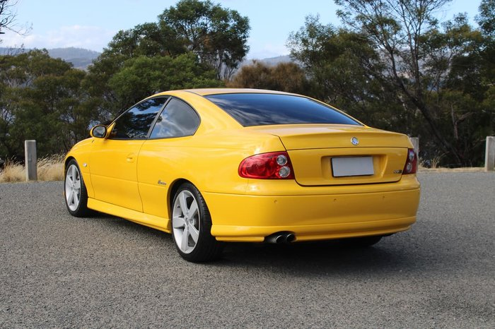 2003 Holden Monaro CV8 V2 Series II Yellow