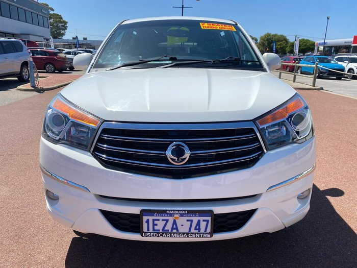 2014 SsangYong Stavic A100 MY14 Grand White
