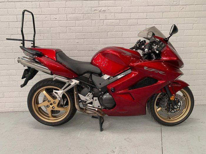 2010 Honda VFR800F (VFR800Fi) Red