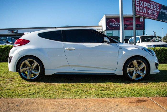 2013 Hyundai Veloster SR Turbo FS2 White