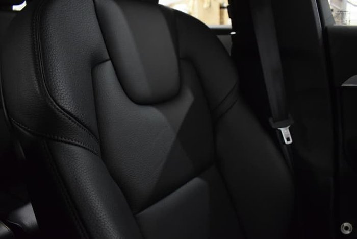 2018 Volvo XC90 T6 Momentum MY19 AWD Onyx Black
