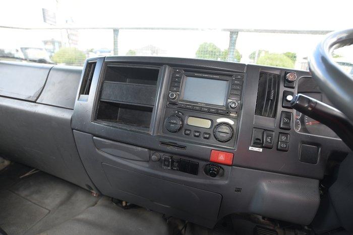 2009 ISUZU FVD 1000 WHITE