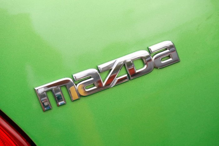 2011 Mazda 2 Maxx DE Series 1 MY10 Spirited Green