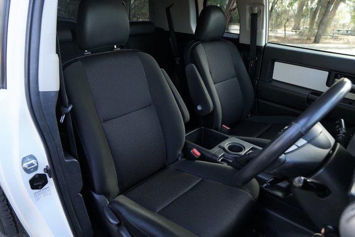 2016 Toyota FJ Cruiser GSJ15R MY14 4X4 Dual Range White