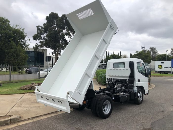 2021 FUSO CANTER 615 TIPPER White
