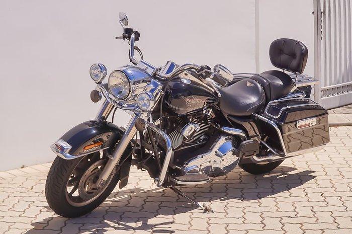 2005 HARLEY-DAVIDSON ROAD KING 1450 (FLHR) Black