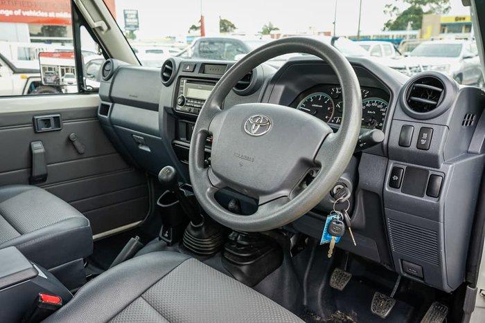 2019 Toyota Landcruiser Workmate VDJ79R 4X4 Dual Range French Vanilla