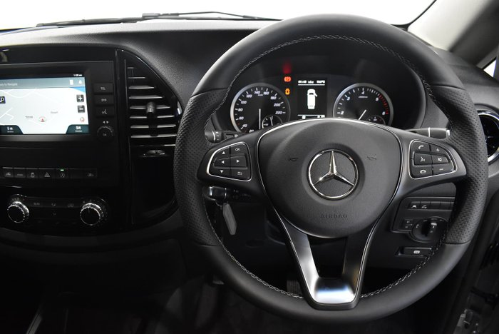 2021 Mercedes-Benz Valente 116CDI 447 Brilliant Silver