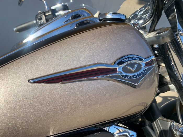 2010 Kawasaki VULCAN 1700 NOMAD Black