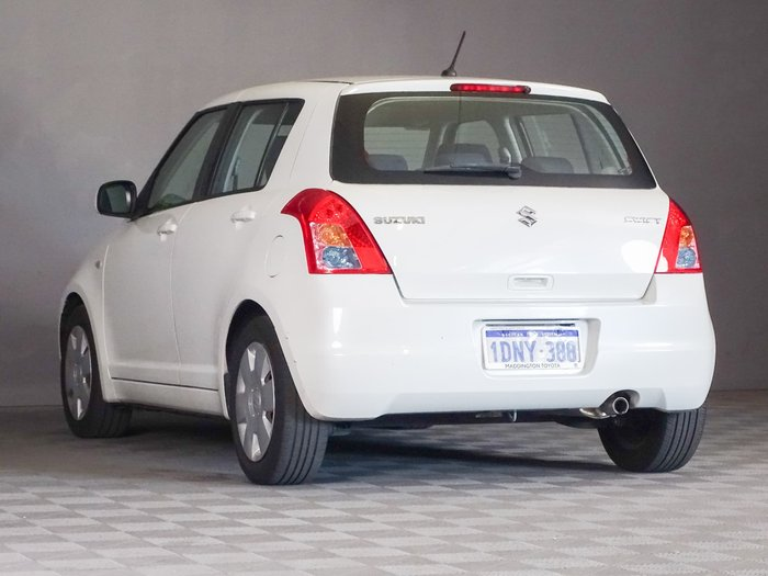 2010 Suzuki Swift RS415 White Pearl