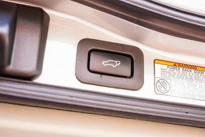 2017 Toyota Landcruiser Sahara VDJ200R 4X4 Dual Range Silver Pearl