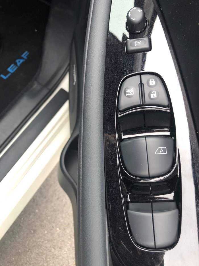 2019 Nissan LEAF ZE1 Ivory Pearl