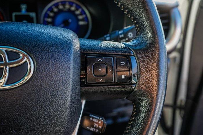2017 Toyota Hilux SR5 GUN126R 4X4 Dual Range Glacier White