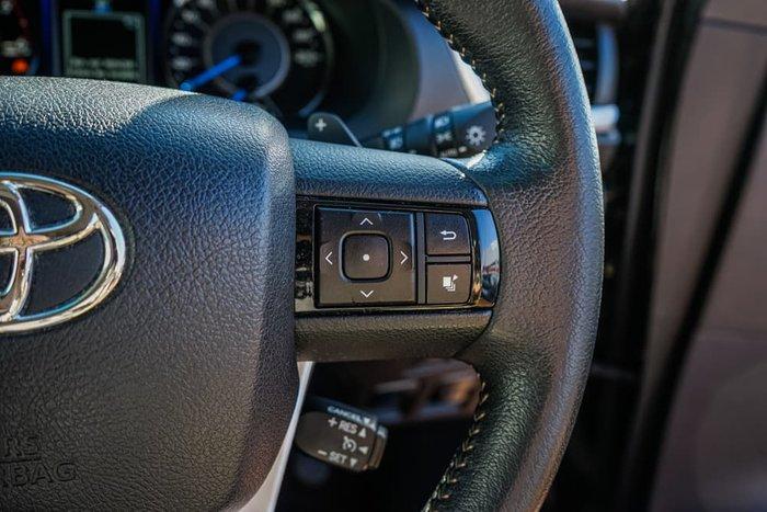 2016 Toyota Fortuner Crusade GUN156R 4X4 Dual Range Eclipse Black
