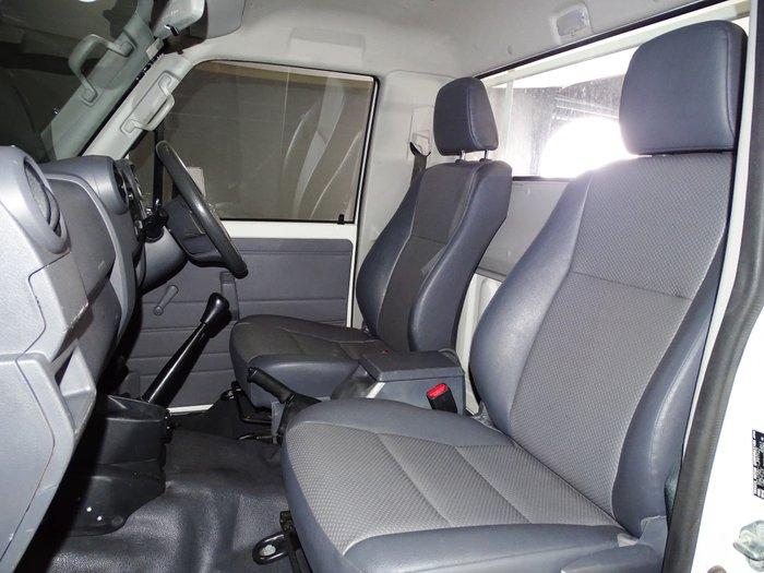 2018 Toyota Landcruiser Workmate VDJ79R 4X4 Dual Range French Vanilla