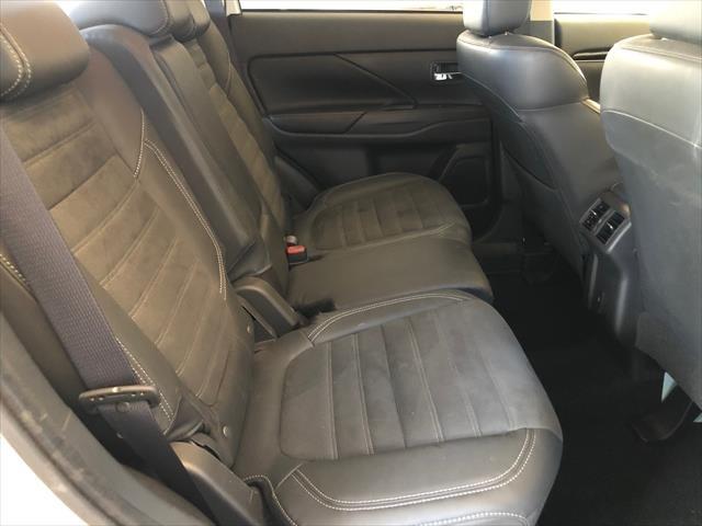 2019 MITSUBISHI Outlander LS ZL MY20 LS Wagon 7st 5dr CVT 6sp AWD 2.4i White