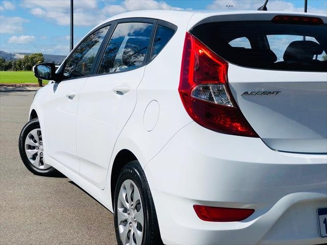 2017 HYUNDAI Accent Active RB4 MY17 Active Hatchback 5dr CVT 6sp 1.4i White