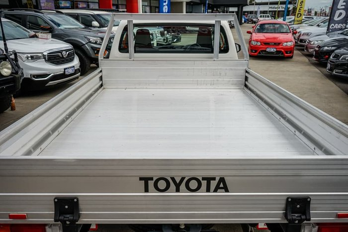 2020 Toyota Hilux Workmate TGN121R Glacier White