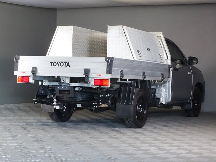 2018 Toyota Hilux Workmate TGN121R Silver Sky