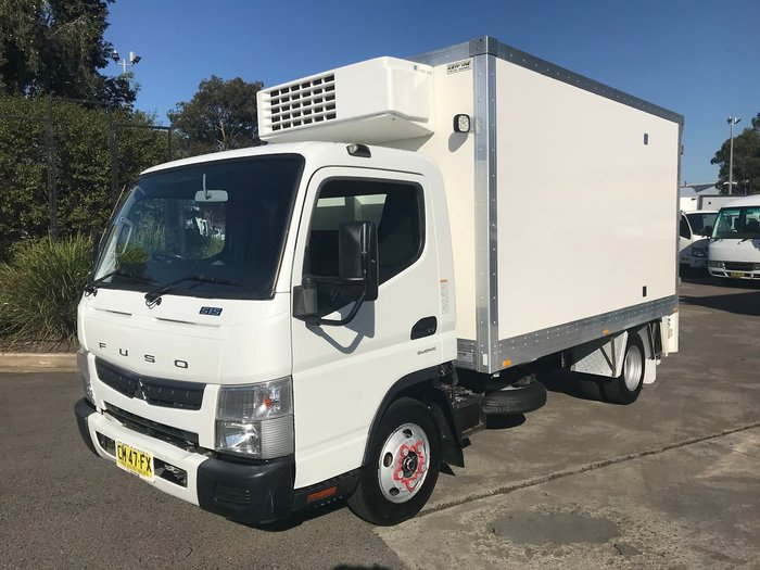 2017 FUSO CANTER 515 WHITE