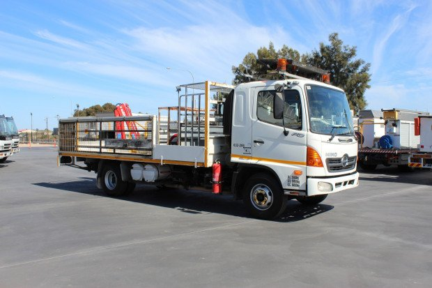 2004 Hino FD1J EX-GOVERNMENT WHITE