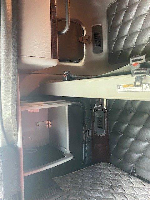 2015 Freightliner Coronado Cornoando 122SD 140T Rated