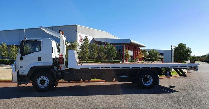 2012 ISUZU FVD1000 LONG WHITE