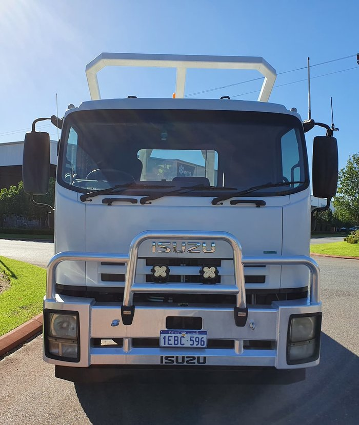 2012 ISUZU FVD1000 LONG WHITE