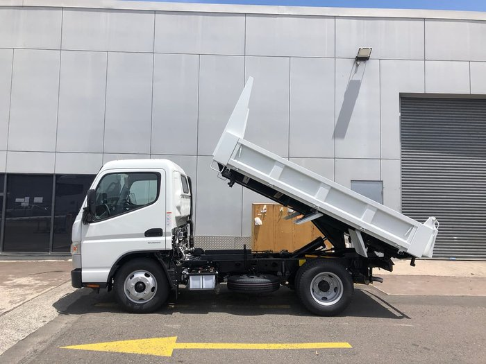 2021 FUSO CANTER 615 TIPPER LICENCE SAFETY PACK MANUAL White