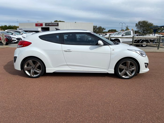 2012 Hyundai Veloster SR Turbo FS2 Crystal White