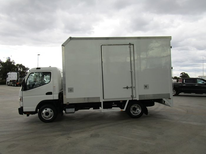 2015 FUSO CANTER 515 PANTECH WHITE