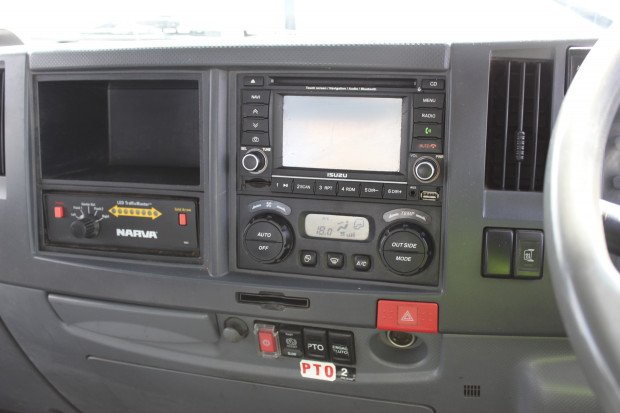 2011 Isuzu FSR850 FSR 850 LONG WHITE