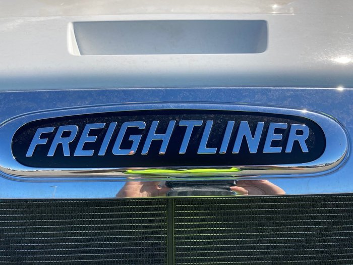 2021 FREIGHTLINER CASCADIA