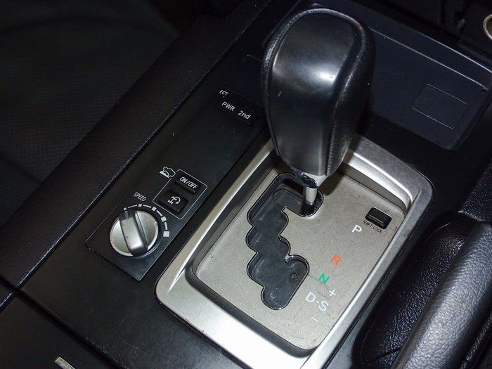2016 Toyota Landcruiser GX VDJ200R 4X4 Dual Range Black
