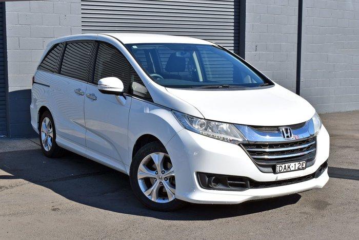 2015 Honda Odyssey VTi 5th Gen MY15 White Orchid